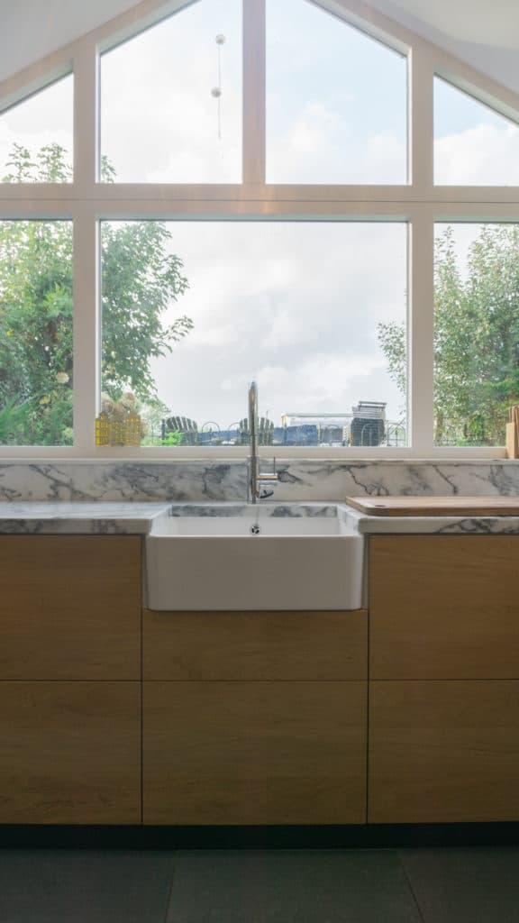 Moderne keuken Driehuizen Eiken Marmer 2